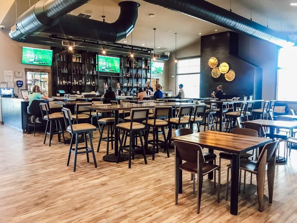 River Run RV Resort On-Site Restaurant Summit Bar & Grill / Granby, Colorado