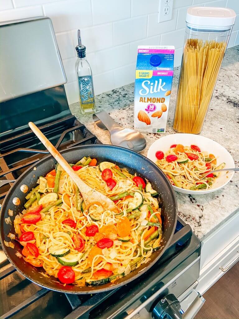 creamy veggie pasta skillet