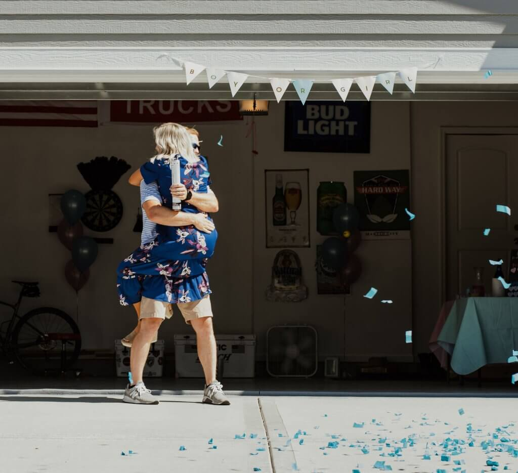 gender reveal party ideas; baby boy, pregnancy - reaction photo