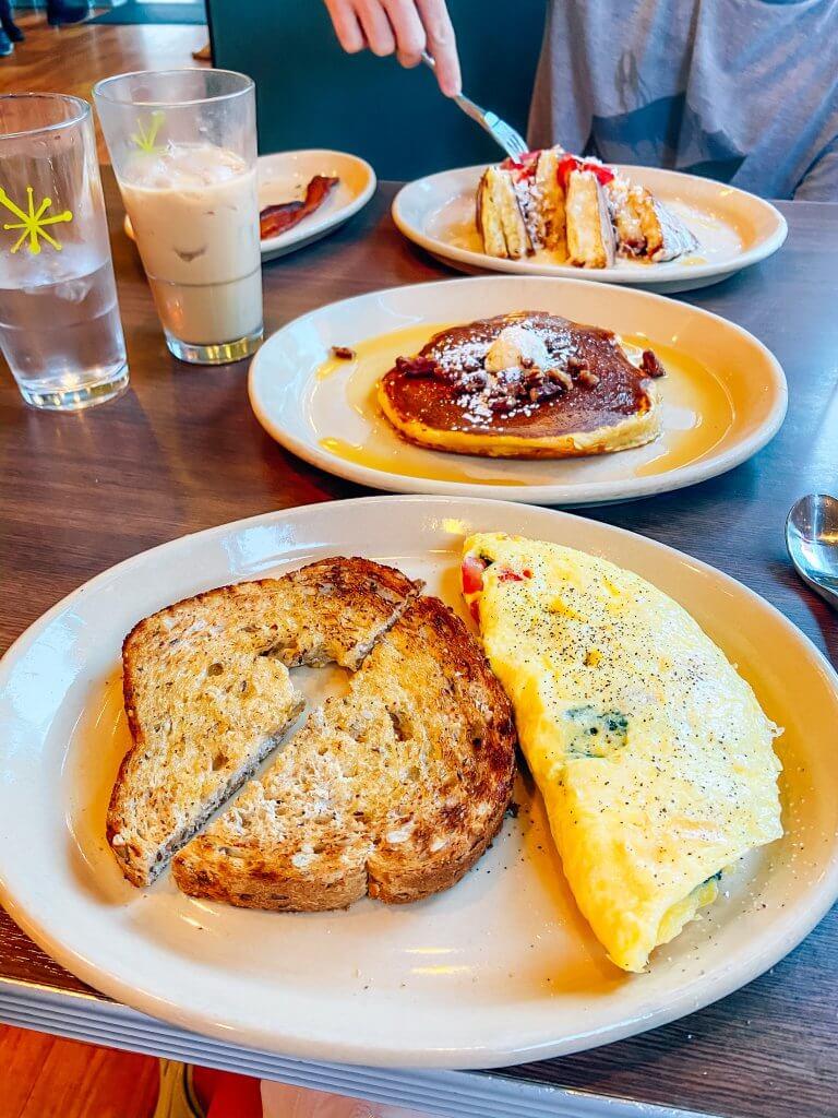 denver, colorado; snooze AM eatery, breakfast