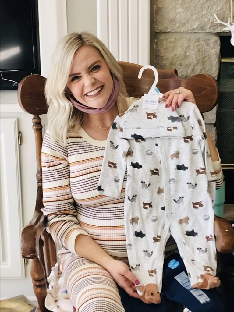 baby registry must haves; sleeping essentials, onesies and swaddles
