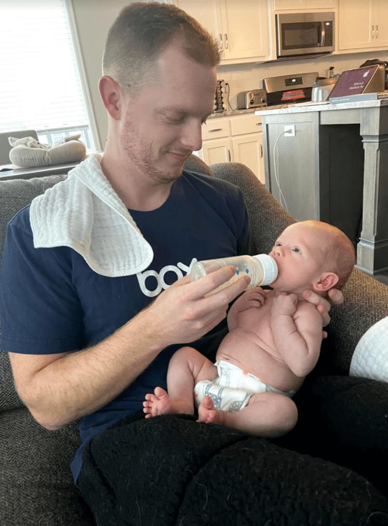 postpartum truths no one warns you about, bottle feeding, breastfeeding